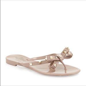 Valentino Rockstud Jelly Sandal-poudre color